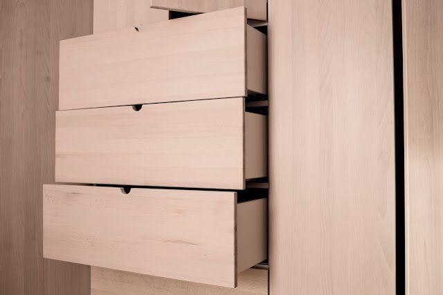 PORZADEK RZECZY - blog o wnętrzach, designie, architekturze: drewno SZAFA EWODD _ BUK LITY BIELONY