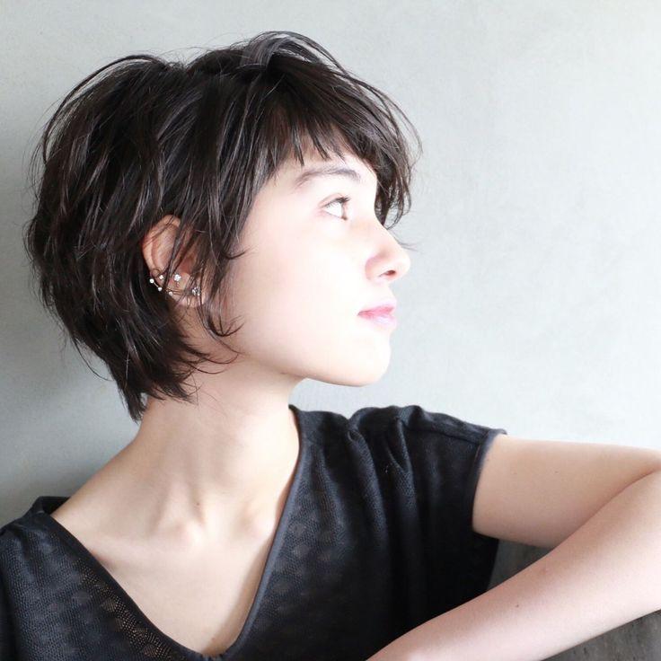 シンプルな中に魅力がギュッ。黒髪ショートヘアに見惚れるヘアカタログ!   HAIR