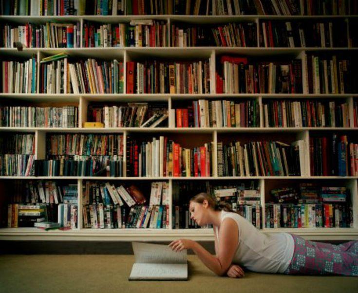 """A Anhembi Morumbi tem inscrições abertas para o concurso cultural """"Mude sua Vida"""", que vai conceder uma bolsa de estudos de 100% para um curso de pós-graduação da universidade. Para participar, é necessário criar uma resposta criativa para a pergunta """"Como uma pós-gradução pode mudar sua vida e melhorar a sua carreira?""""."""