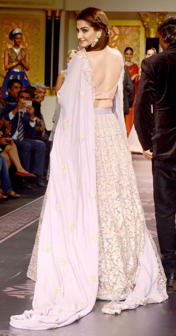 Sonam Kapoor is the brand ambassador for the India International Jewellery Week. Seen here at the India International Jewellery Week 2015.