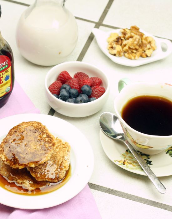 The perfect pancake. Vegan and low carb, this recipe is a force of nature. 90 calories for the whole batch!