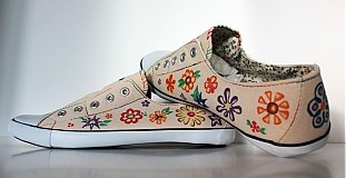 Flower shoes from www.sashe.sk/Pubba
