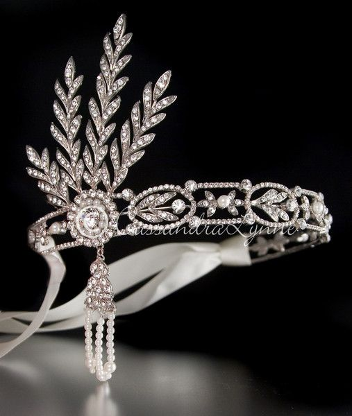 Gorgeous Great Gatsby-inspired Wedding Headpiece with Rhinestones and Pearls