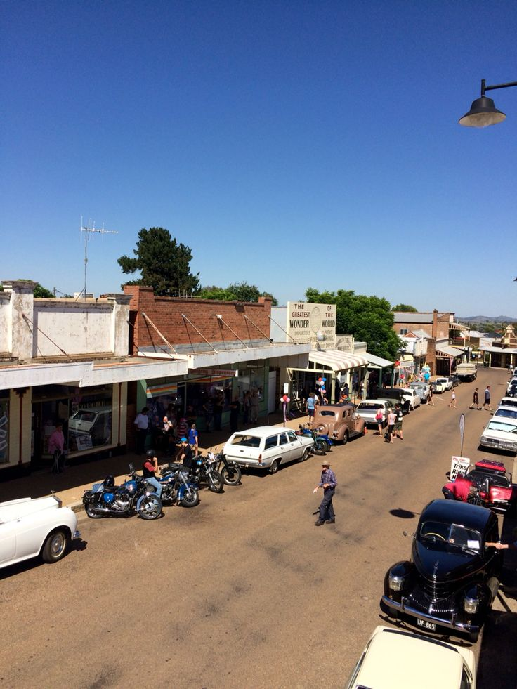Gulgong  - The Town on the Ten Dollar Note. Photo taken on 14th February 2016, 50th anniversary of the introduction of the Australian decimal  currency and the Gulgong's Ten Dollar Status.  The town celebrated by hosting a successful Ten Dollar day