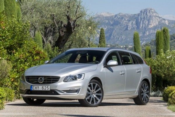 2015 Volvo V60 Wagon 600x400 2015 Volvo V60 Review Specs and Features