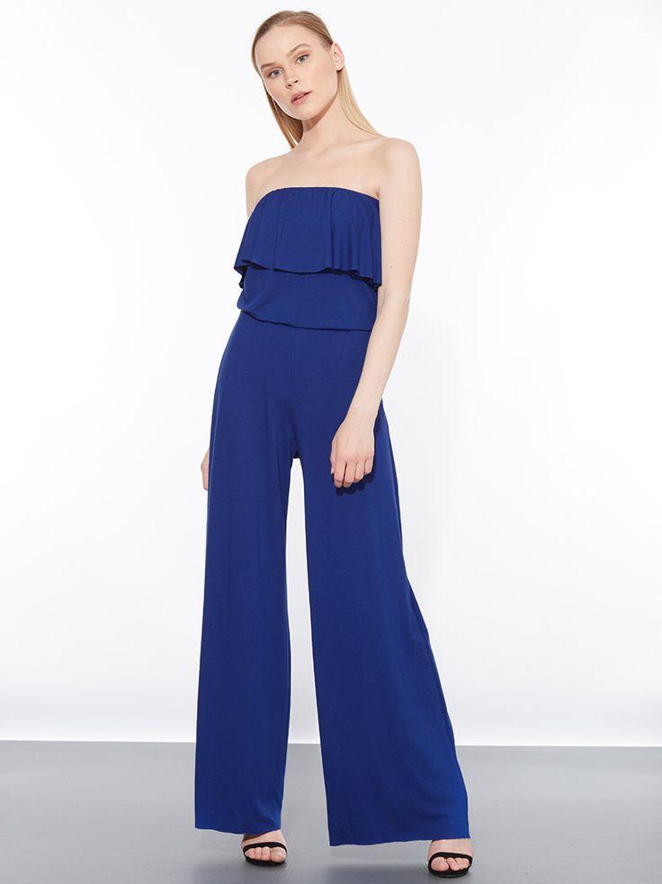 Ολόσωμη strapless φόρμα από βισκόζη με ακάλυπτους ώμους και βολάν στο ντεκολτέ