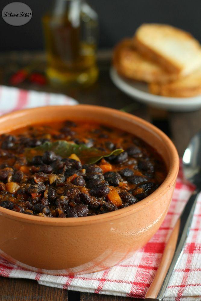 Zuppa di fagioli neri