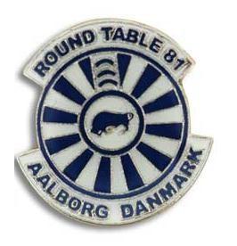 Round Table 81 Aalborg Danmark. Denne RT pin er fremstillet hos Jydsk Emblem Fabrik A/S. Bliv inspireret og kontakt os direkte på jef.dk (klik på billedet) eller på T. 70 27 41 11 eller E: info@jef.dk