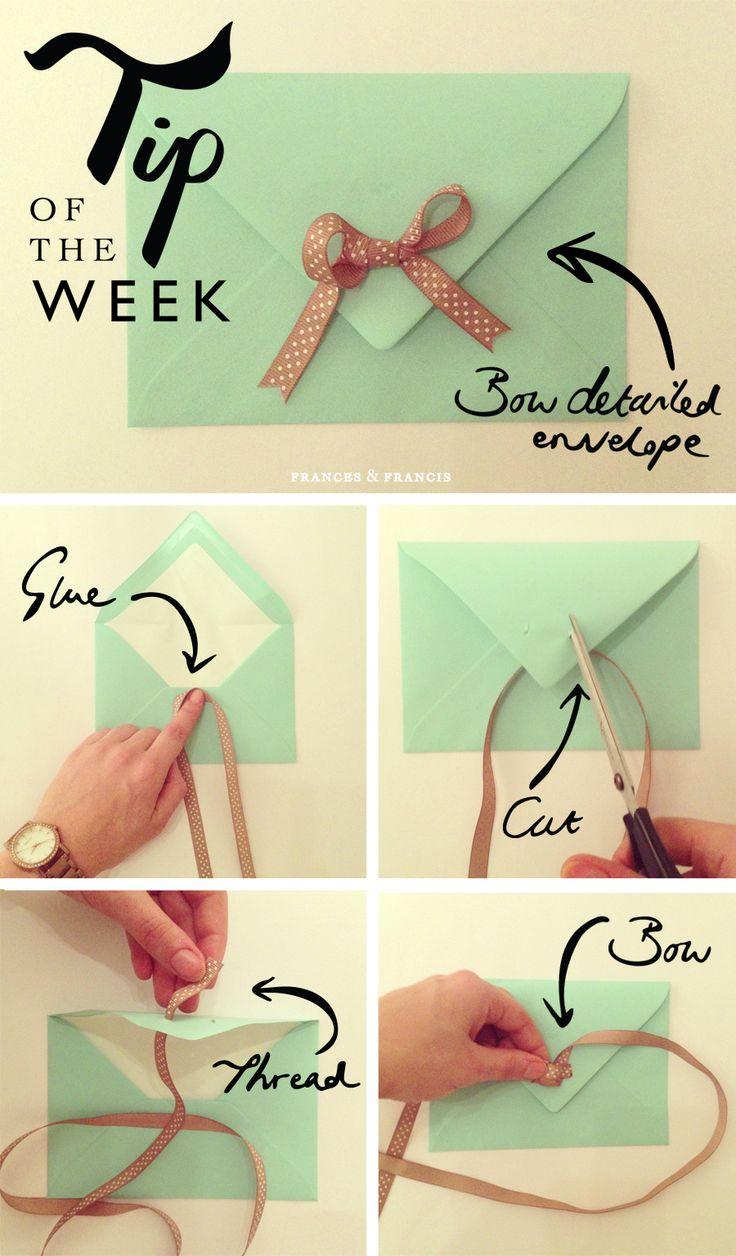 Un noeud sur une enveloppe