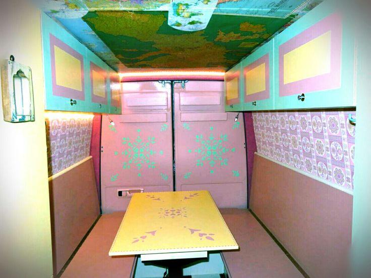 Auch innen machen wir uns die Welt, wie sie uns gefällt #bunt #bus - fliesen tapete küche