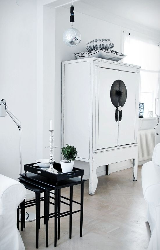 Elegant White Cabinet. Interior / Home / Decor / Design / Furniture / Accessories /  Contemporary Part 25