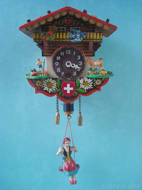 black-forest-clock
