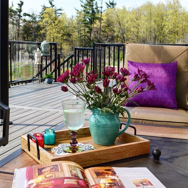 Patio clean ✅  Gazebo clean ✅  Dusting the chairs ✅  Cool lemonade ✅  Toasty sunshine ✅  Thank you Mother Nature for an unreasonably warm weather today. With that, this happy soul has decided to bring some flowers outdoors and have some 'me' time before the thunderstorm hits Toronto later today. Have a great evening ya'll…