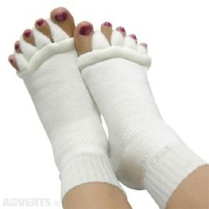 25+ unique Painted toe nails ideas on Pinterest