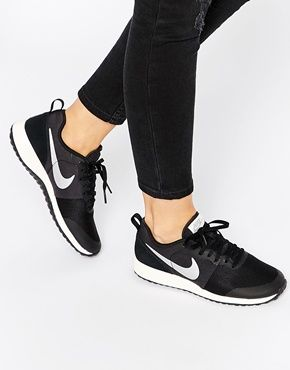 nb black trainers