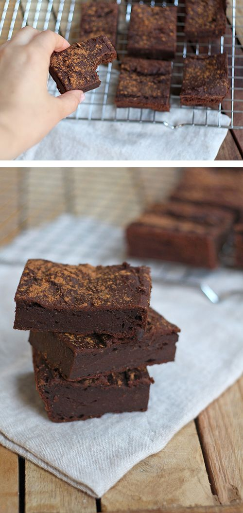 Amazing pumpkin brownies with cinnamon. Super chewy and delicious!