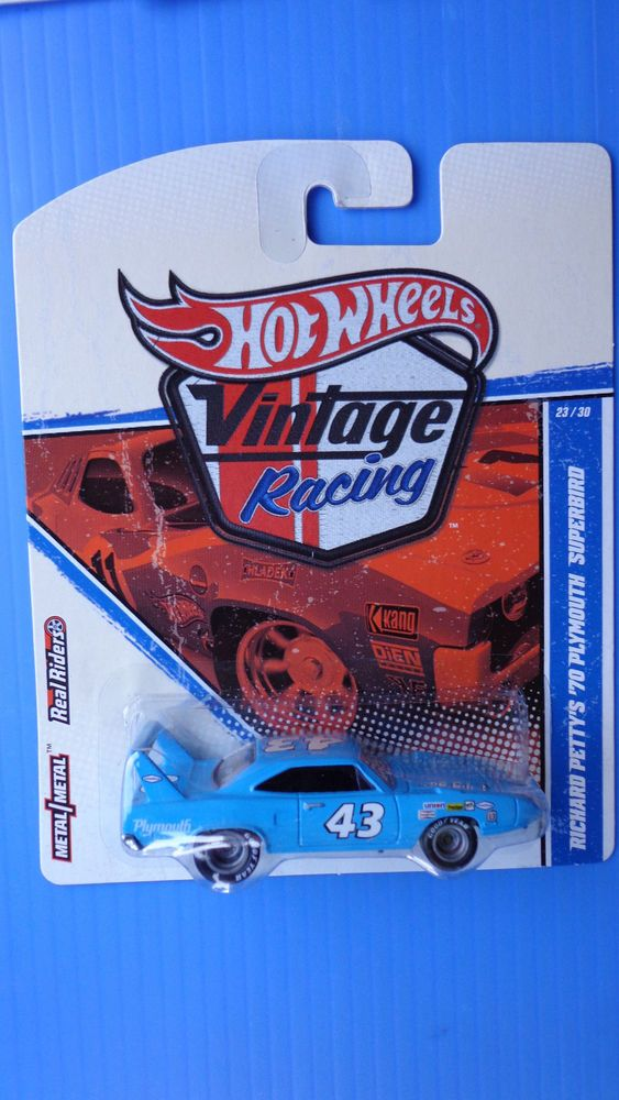 Hot Wheels Vintage Racing Richard Petty's '70 Plymouth Superbird Real Rider Hot