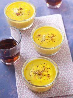 poivre, curcuma, pomme de terre, oignon, cube de bouillon, crème fraîche liquide, sel, carotte