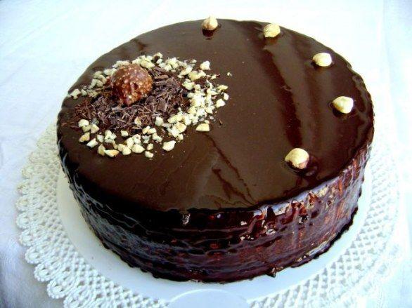La ricetta della torta setteveli con le foto di tutti i passaggi per preparare il dolce in casa.