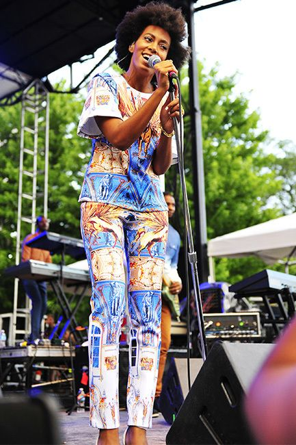 Singer Solange Knowles wowed the crowd as she performed at the Pitchfork Music Festival in Chicago on July 20th. Knowles stayed true to her trademark style in a unique pant and shirt set that featured various illustrations (such as unicorns and sculptures) in the print. She ditched the braids she's been wearing lately for a return to her natural hair look.