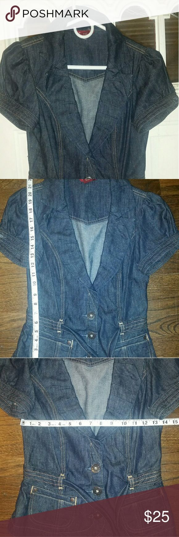 GUESS M Blue Denim Short Sleeve Jeans Blazer Please contact me with any questions, comments, or concerns Guess by Marciano Jackets & Coats Jean Jackets