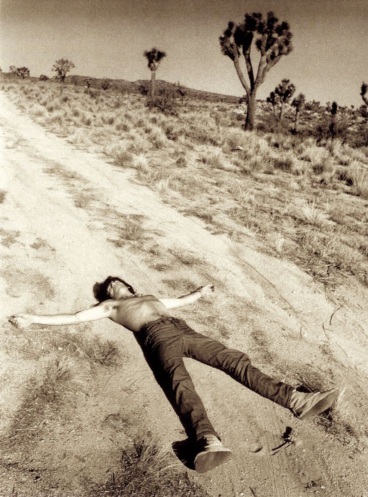 keith-richards-at-joshua-tree.jpg 1,083×1,463 pixels