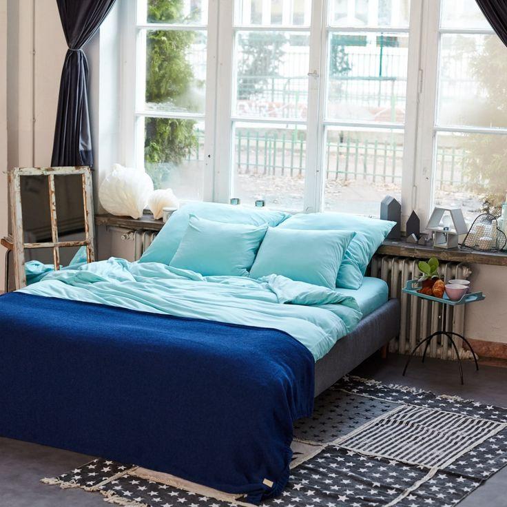 Pościel świetnie będzie pasowała do każdego stylu sypialni oraz do młodzieżowego, dziecięcego pokoju. Seledynowy kolor świetnie komponuje się z bielą, czernią czy szarością.