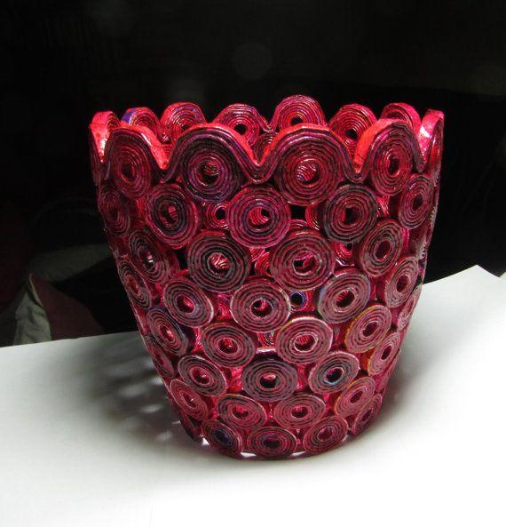 Plantador de florero hecho a mano de papel por fantasmaniaxx