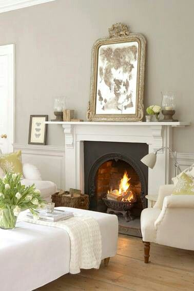 Lovely fireplace & antique mirror - pale gray walls - kleur muur is french gray (113) van Little Green