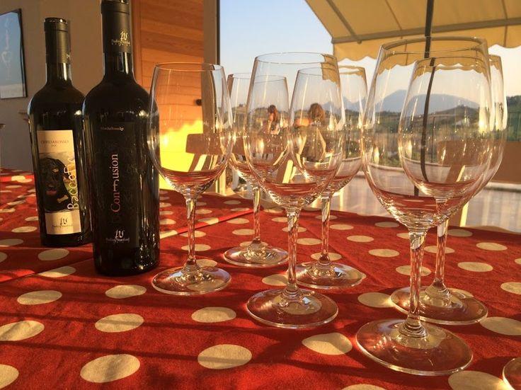 La produzione di PS Winery si limita a 22000 bottiglie l'anno e alcuni lotti prevedono la realizzazione di sole 1000 bottiglie, imbottigliate a mano senza filtrarle, per veri appassionati.  Per un assaggio dei vini dell'azienda, vai su Excantia: http://www.excantia.com/produttori/pswinery