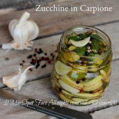 Zucchine in carpione ricetta con zucchine facile e stuzzicante.Contorno con zucchine leggero.Le zucchine vengono prima fritte e poi immerse nella marinatura