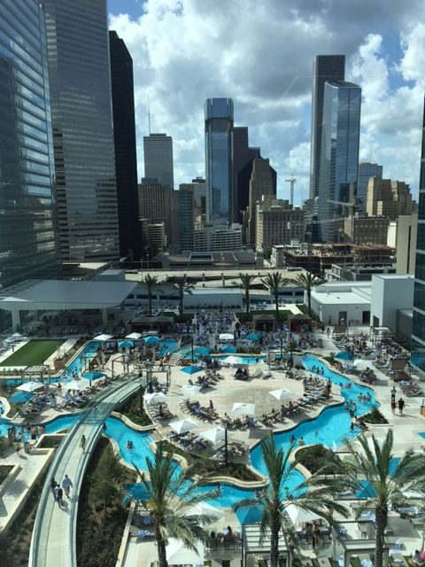 Houston is home to officially the coolest pool in town, Texas, the world! I mean, have you seen it?! It's on the 6th floor of the newly opened Marriott Marquis in downtown Houston and is in t…