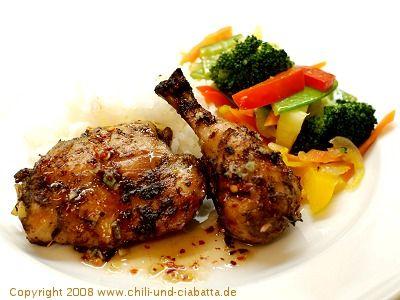 Chili und Ciabatta: Thai-Grillhuhn mit scharf-süßer Dippsauce und Gemüsesalat