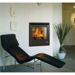 De #Scan DSA 3-5 heeft een functionele deurgreep die een geheel vormt met de voorkant. Elk detail aan de elegante Scan DSA 3-5 wordt gekenmerkt door een naadloos en innovatief ontwerp. #Houthaard #Houtkachel #Kampen #Interieur #Fireplace #Fireplaces