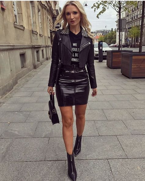 6,541 Followers, 348 Following, 850 Posts - See Instagram photos and videos from We Love Leather Skirts (@leather_skirts)