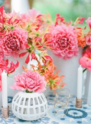 Hot Pink Centerpieces | photography by http://www.ladygreystylingsecrets.com/