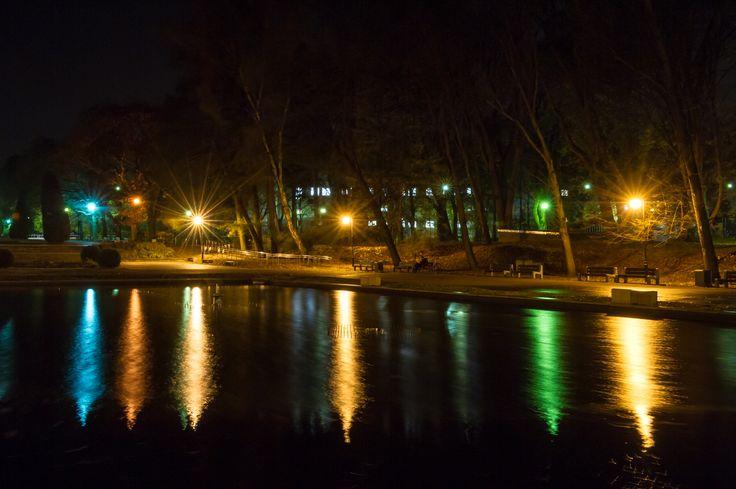 #noc #fontanna #Planty #Białystok fot. Dawid Gromadzki