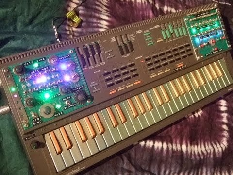 Circuit Bent PSS-460 with 'Trance-Gate' Step-Sequencer & Monotribe