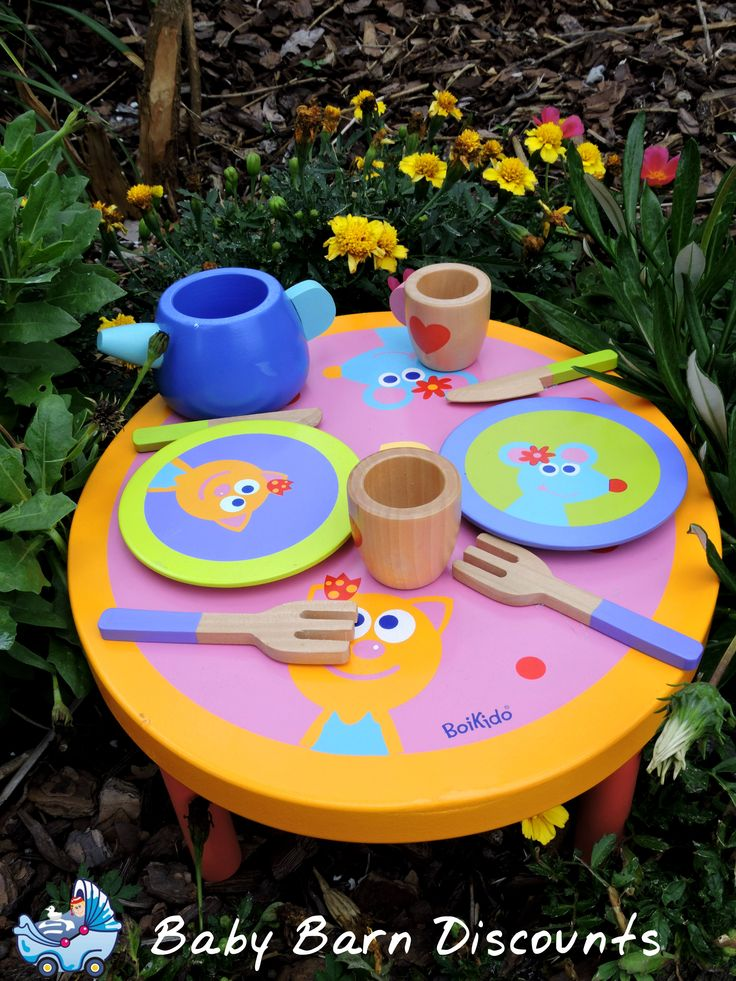 Boikido Wooden Dinner Set. Beautiful wooden table and dinner set for dining with friends just like the adults!  Includes 1 table, 2 plates, 2 glasses, 2 forks and 2 knives and 1 carafe.
