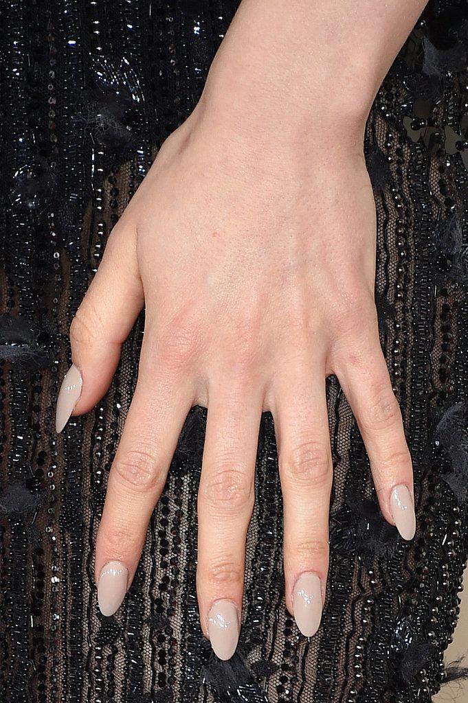 Jessie J's taupe almond-shaped nails // Grammy Awards 2015