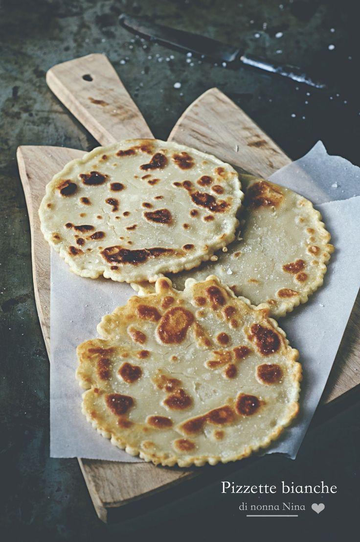 Pizzette bianche di nonna Nina @FoodBlogs