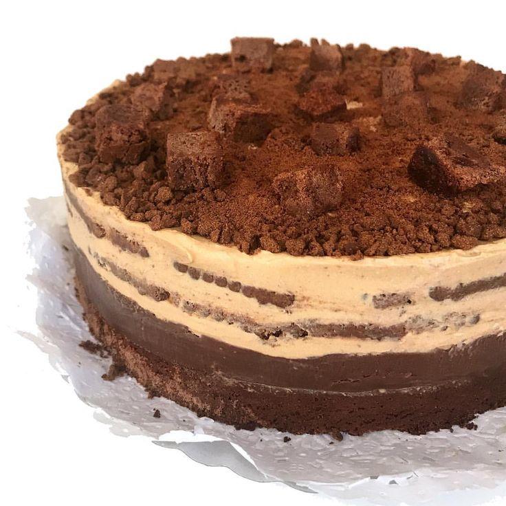 """3,863 Me gusta, 56 comentarios - Praline Cakes® By Made Nahmias (@pralinecakes) en Instagram: """"Podría armar un álbum únicamente con fotos de esta torta, la amoooo 😍🙌! A quien le gustaría probar…"""""""