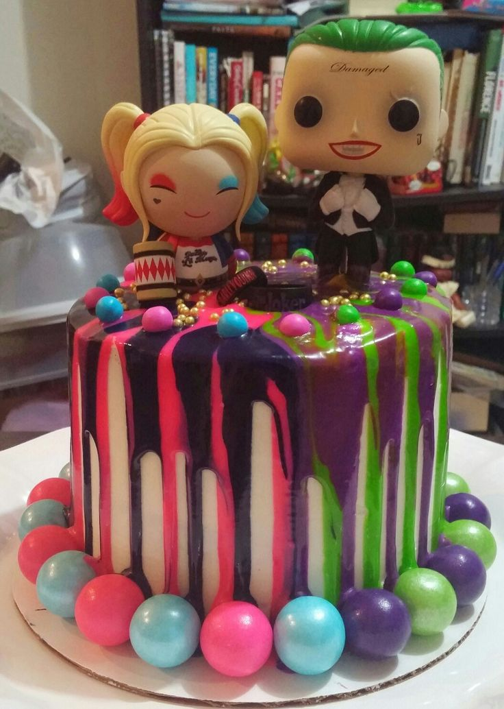 Harley Quinn & Joker Drip Cake. Happy 3rd Anniversary to my husband.