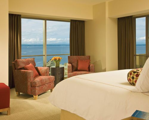 Four Seasons Seattle -enjoy captivating views of Elliott Bay, Puget Sound and the surrounding peaks; whether over chic cuisine, from the floor-to-ceiling windows of your guest room, in your couple's suite in the Spa or by the glow of the fireplace as you relax beside the rooftop pool.