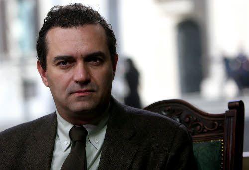 È ufficiale: il sindaco di Napoli de Magistris è stato sospeso dall'incarico in seguito alla condanna in primo grado per concorso in abuso d'ufficio