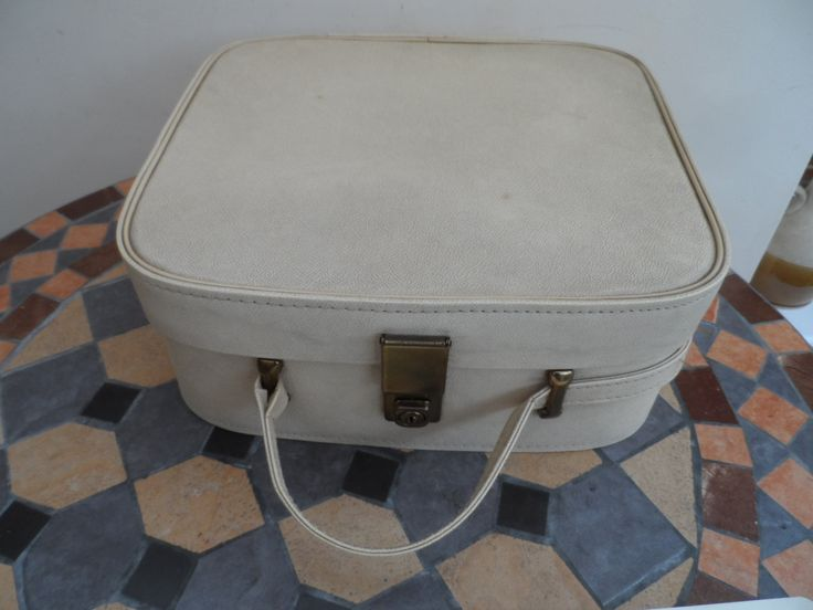 Retro 1960's Cream Vanity Case make up Case Single Front closure with carry handle/Strap fully lined interior by VintageFoggy on Etsy