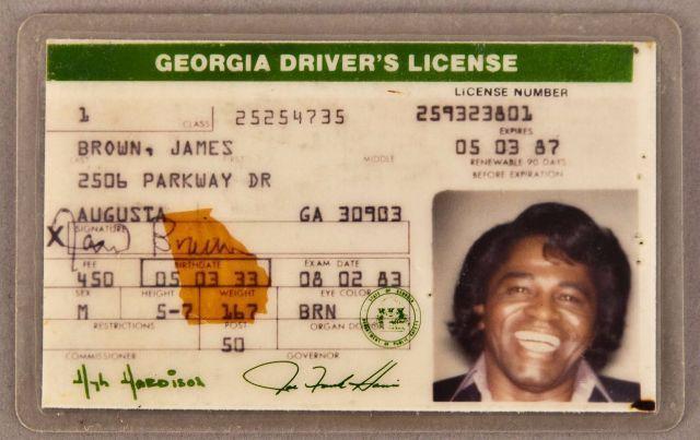 ジェームス・ブラウン、ジム・モリソン、ジャニス・ジョプリン、マイケル・ジャクソンほかセレブの運転免許証をビンテージ写真サイトが特集紹介 - amass