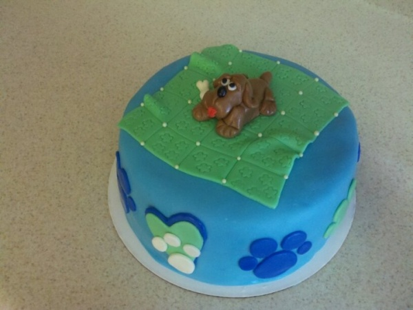 17 Best images about Paw print cake on Pinterest Poodles ...