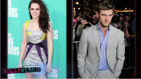 Kristen Stewart, heartbroken and quits a movie? All the details on this week's episode of Hollywire, now live! http://www.izonorlando.com/2012/08/hollywire-s01e011-kristen-stewart-devastated-quits-movie-for-robert-pattinson/#