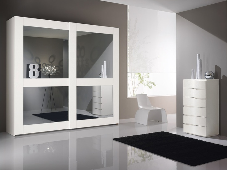 Living the bedroom with style and originality without neglecting the details: this is the idea that he wants to express the line proposed by Pacific Spar. http://spar.it/ita/Catalogo/Notte/PACIFICO/Default-cc-211.aspx